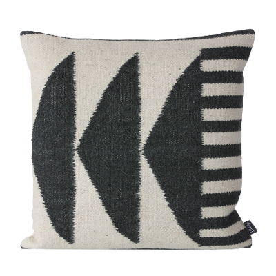 30% Kelim Cushion Black Triangle